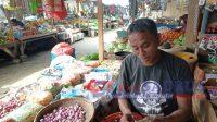 Pedangan Sembako Masih Berpenghasilan 'Penjual Sandang Menjerit'